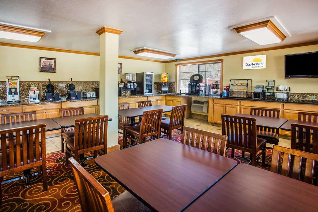 Gallery image of Days Inn by Wyndham Yakima