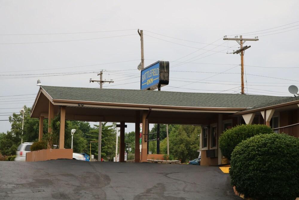 Gallery image of Battlefield Inn