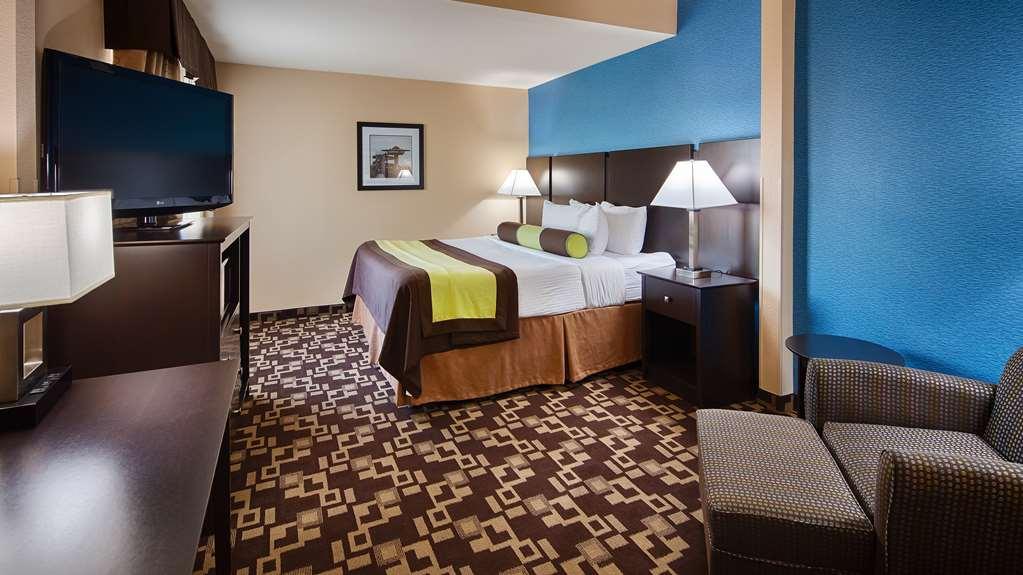 Gallery image of Best Western Plus Arlington North Hotel & Suites