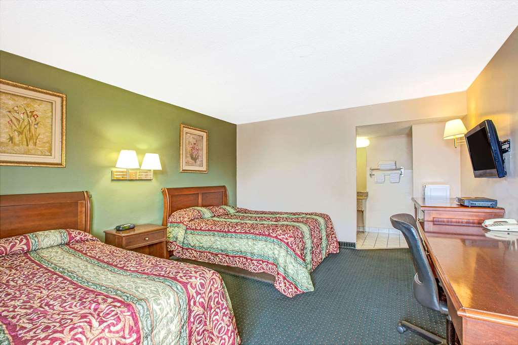 Gallery image of Knights Inn South Hackensack