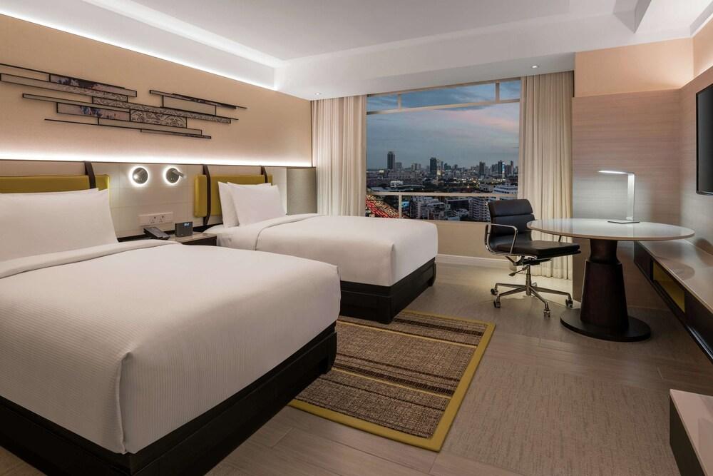 DoubleTree by Hilton Bangkok Ploenchit