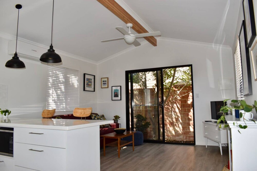 Comfortable Stylish Flat in Heart of Fremantle