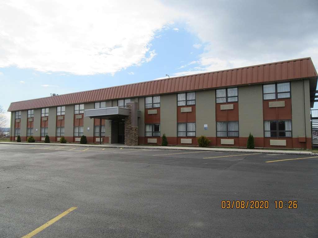 Gallery image of Best Western Gateway Adirondack Inn