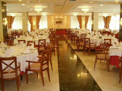 Hotel Villa De Almazan - Almazan
