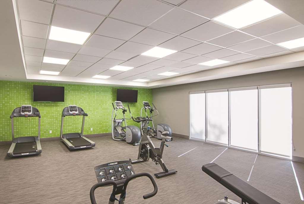 Gallery image of La Quinta Inn & Suites by Wyndham Orlando UCF