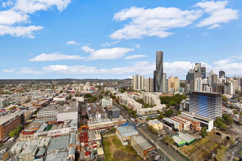 Breathtaking Views Inner City Pad