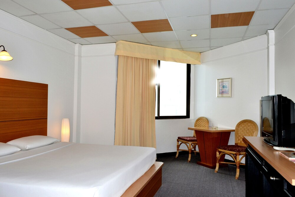 Gallery image of Flipper Lodge Hotel