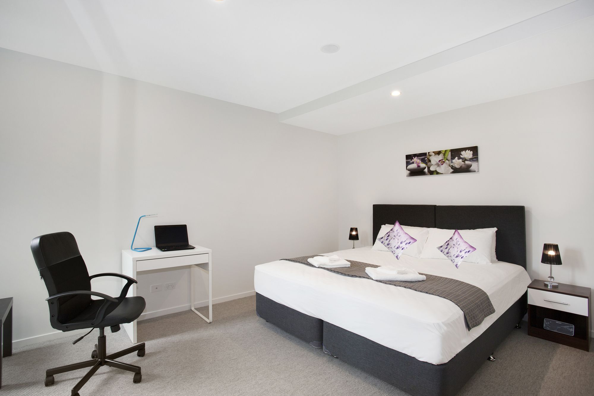 Astra Apartments Carlton