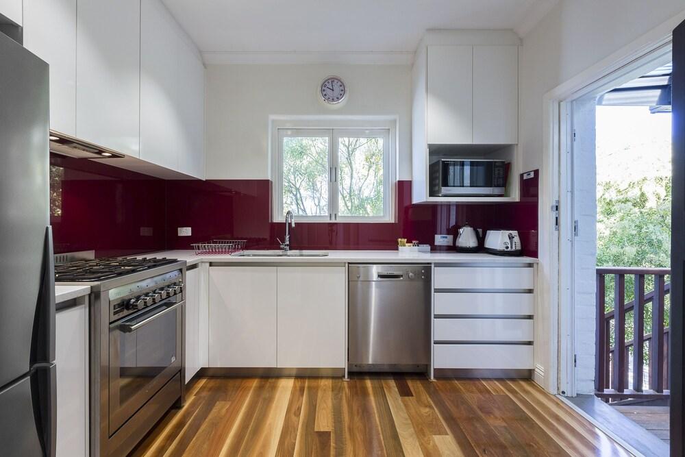 Cottesloe Beach Deluxe Apartment