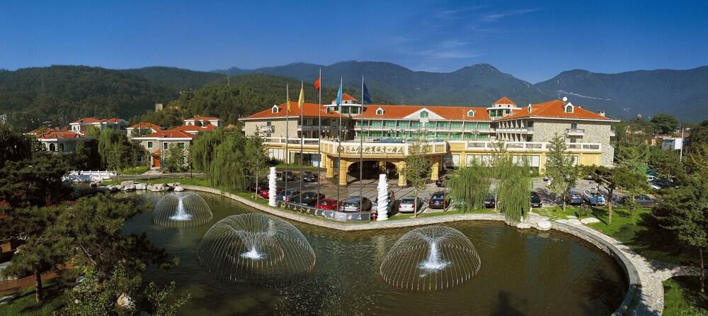 Fragrant Hill Empark Hotel