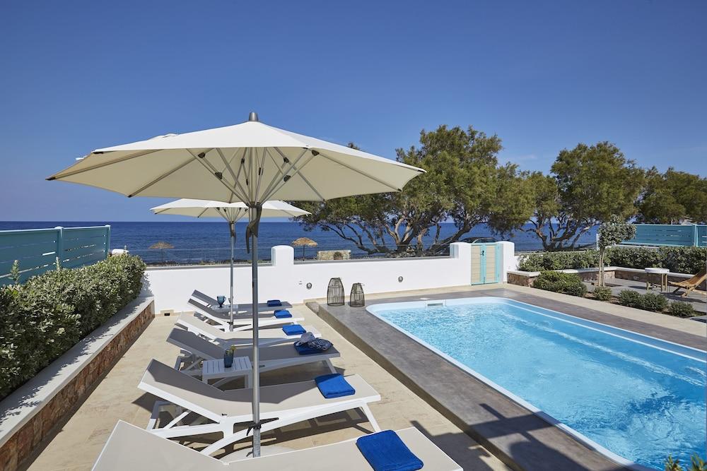 Almyriki Beach Villa