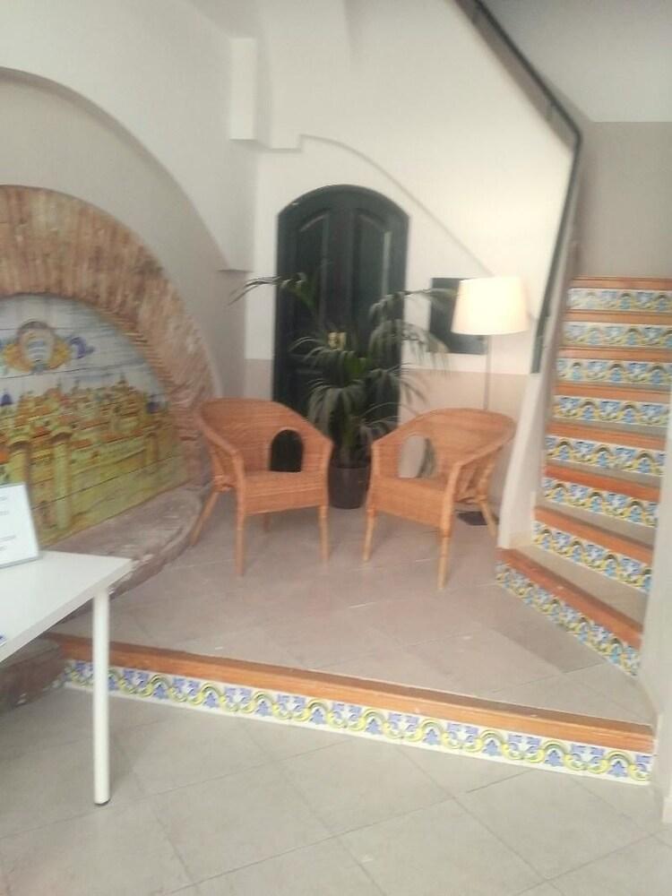 Valencia Dalt Apartaments