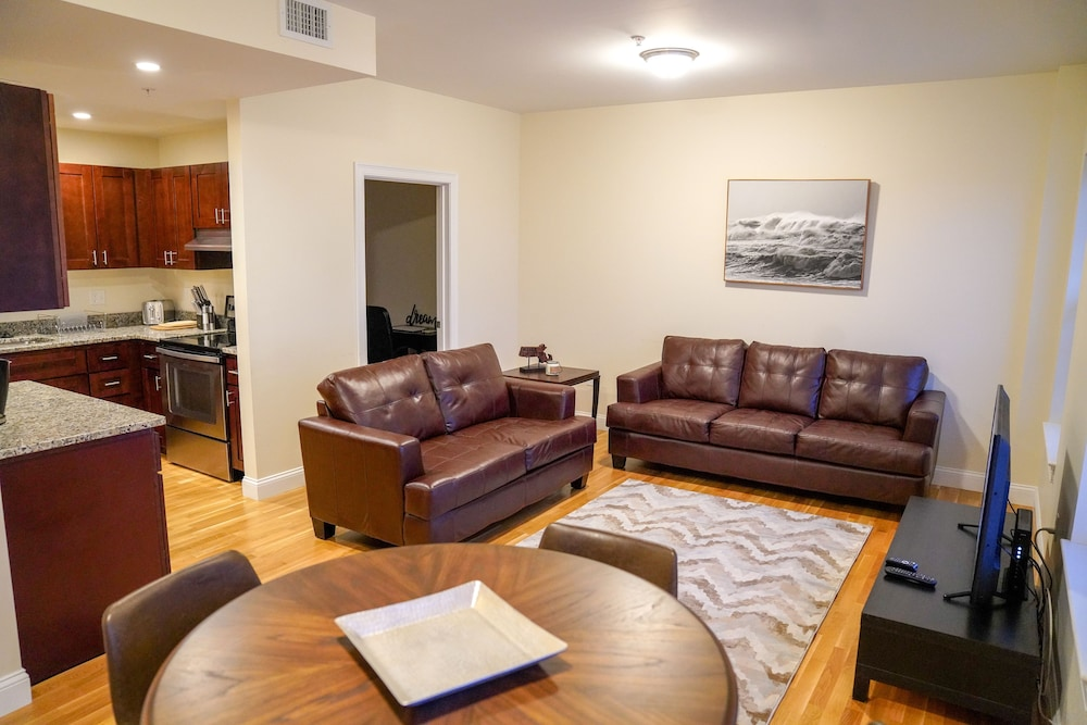 Luxury 2 Bedroom 2 Bath Apartment Fenway Boston