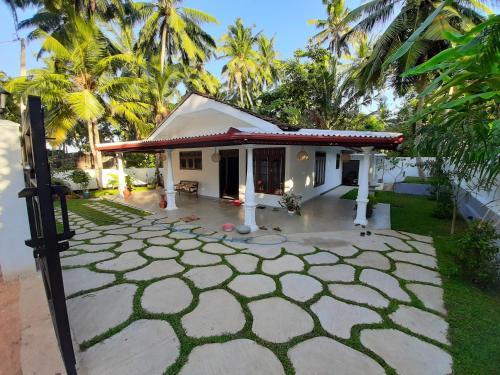 Villa Black Beach