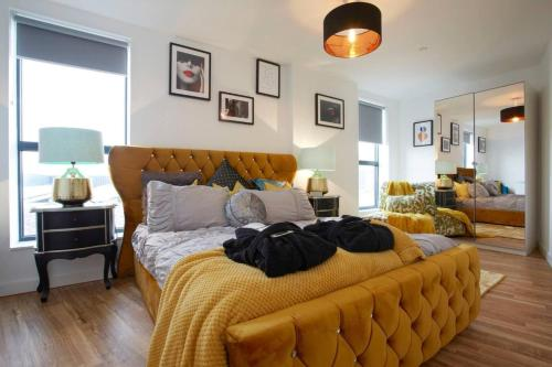 The Chad Leeds Luxury stunning Contemporary Apartment