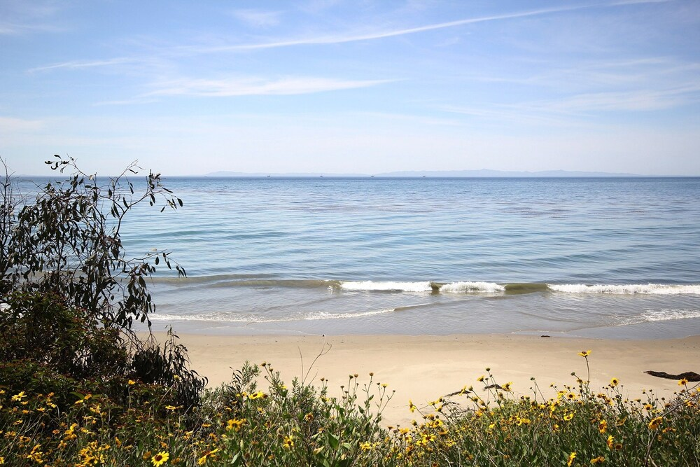 3BR 2BA Summerland Beach Retreat Ocean Views by RedAwning