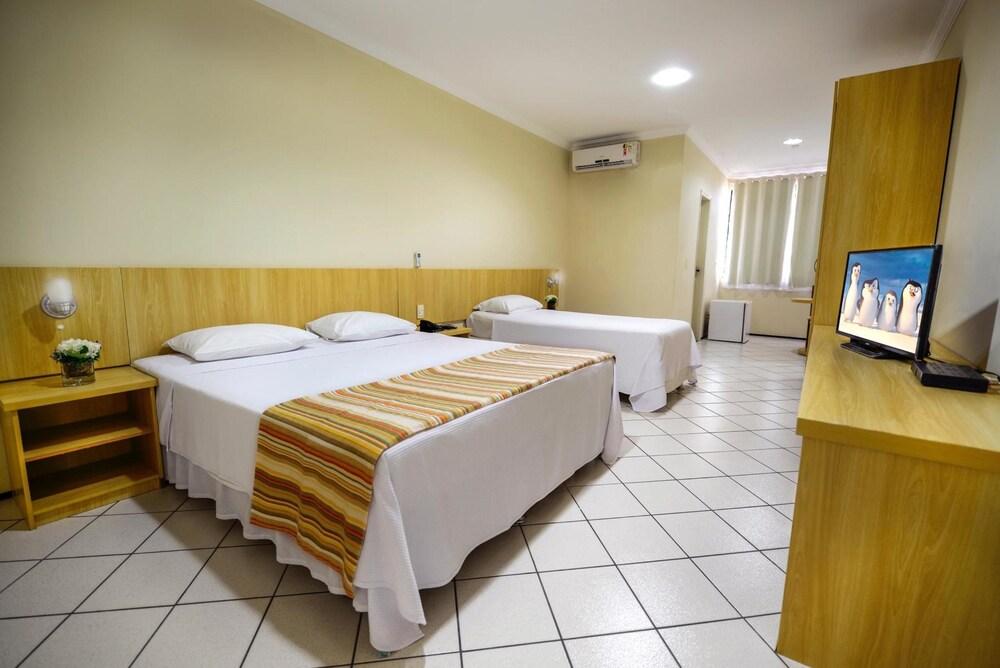 Gallery image of Litorânea Praia Hotel