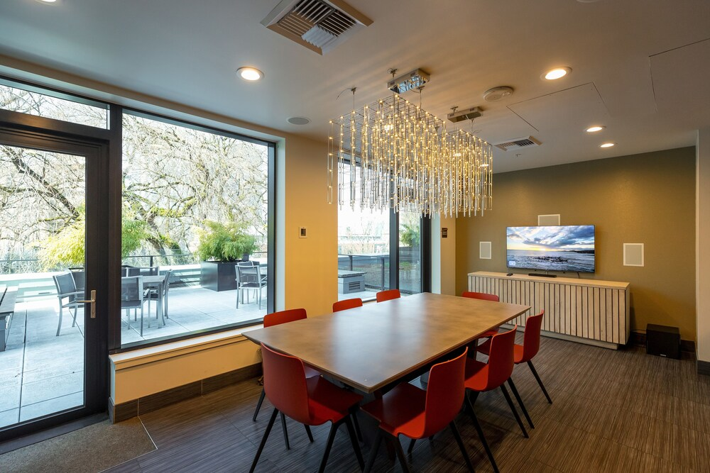 Central Apartments by Barsala