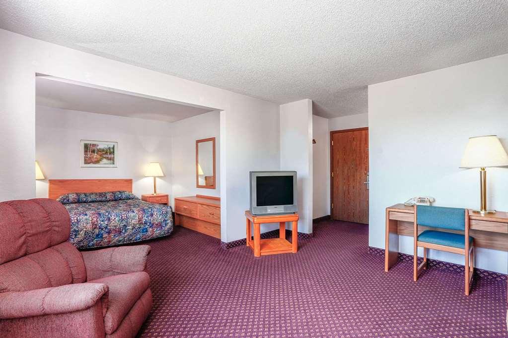 Gallery image of Travelodge by Wyndham Deer Lodge Montana