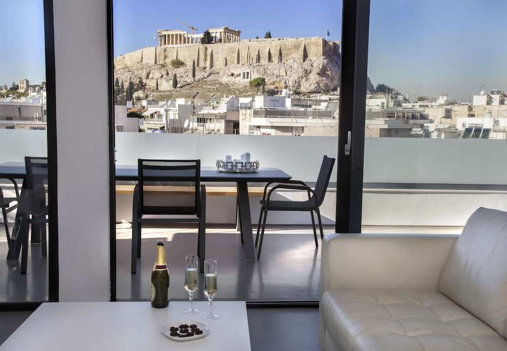 Luxury Penthouse touching the Acropolis by GHH