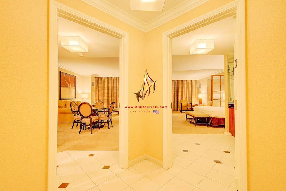 888 Two Bedroom Balcony Suite at Signature Condo Hotel