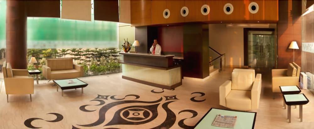 Gallery image of Tree House Hotel Gurgaon