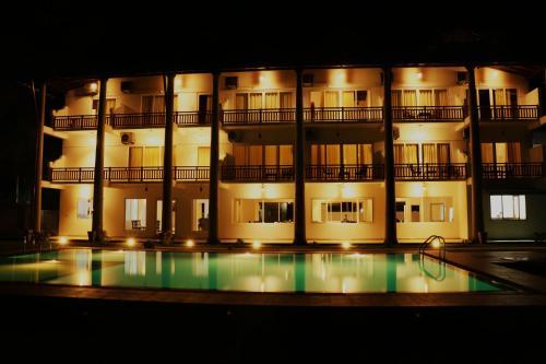 Sky Lake View Hotel