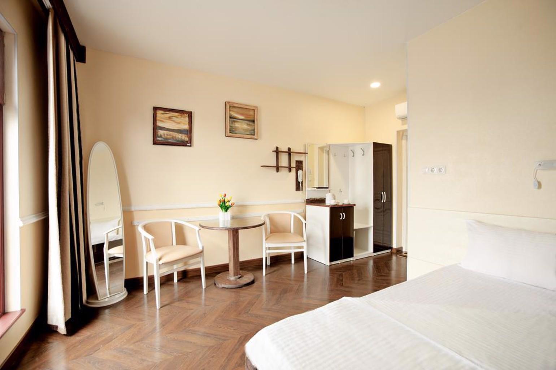 Lampa Hotel