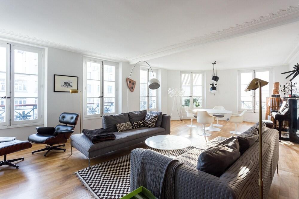 Rue Bonaparte III by Onefinestay