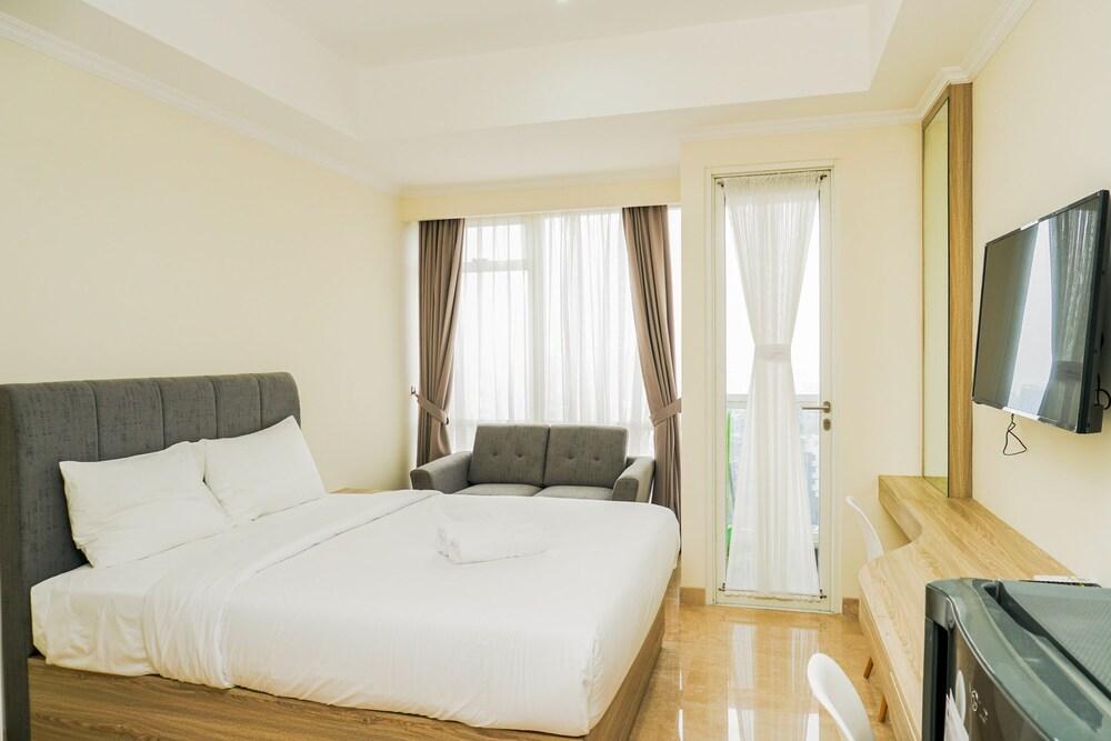 Pleasant Studio Room @ Menteng Park Apartment By Travelio