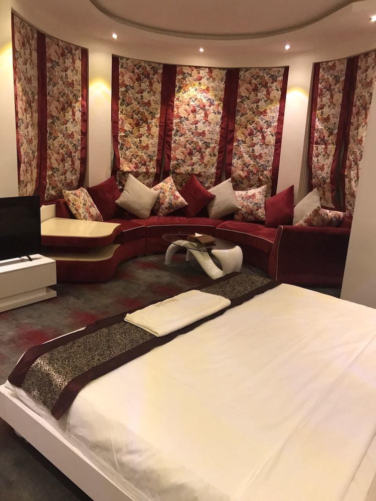 Taleen Granada Hotel Apartments