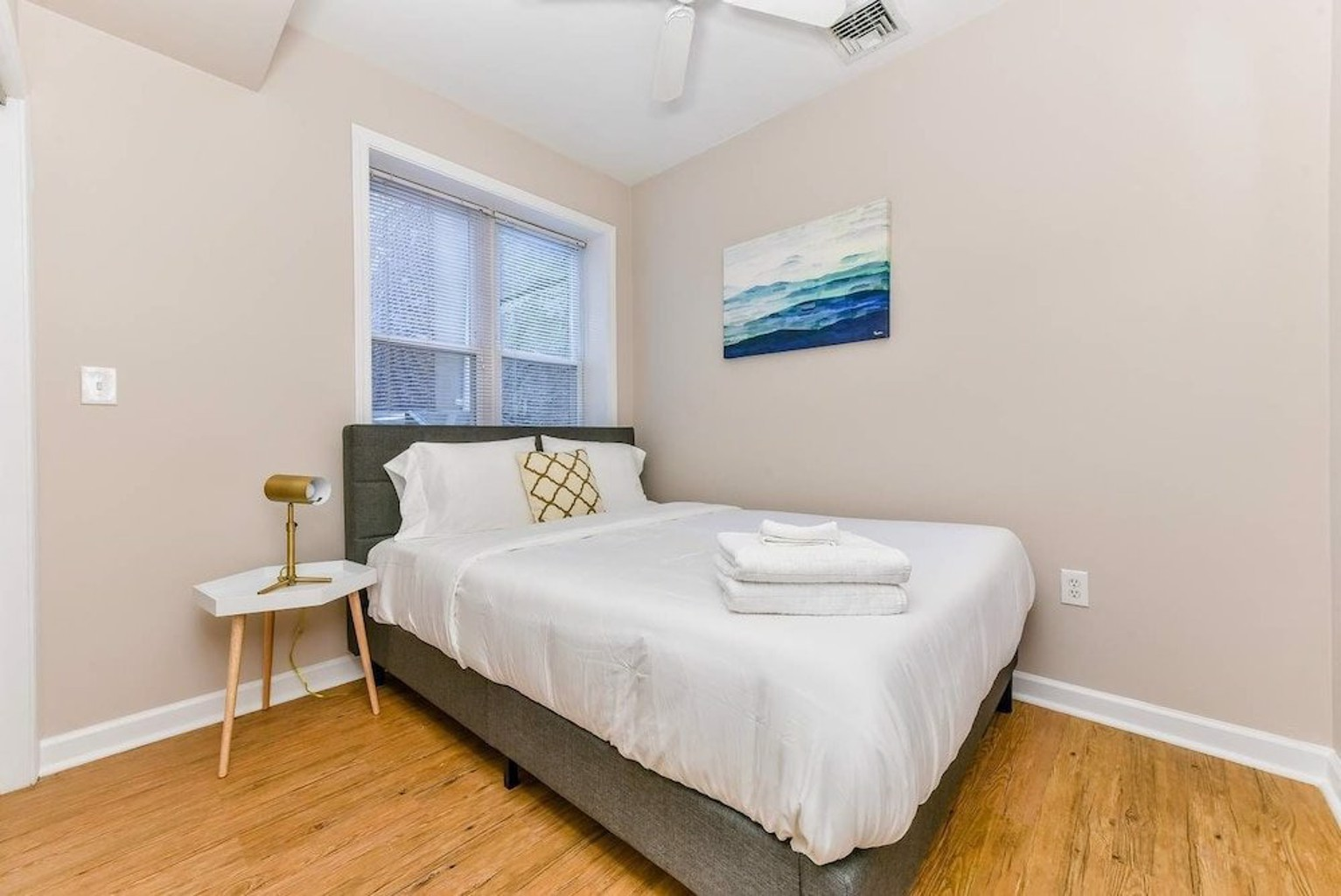 Spacious 3br 2ba on Freedom Trail by Domio