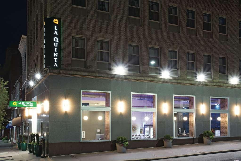 La Quinta Inn & Suites By Wyndham Baltimore Downtown