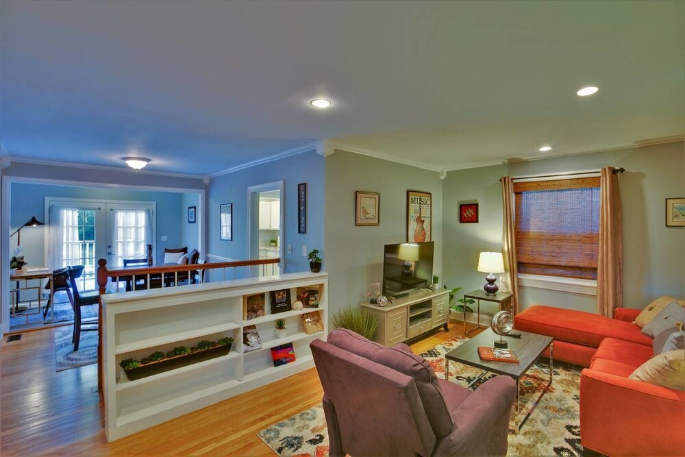Charming 2br 1.5ba East Nashville Home by Domio