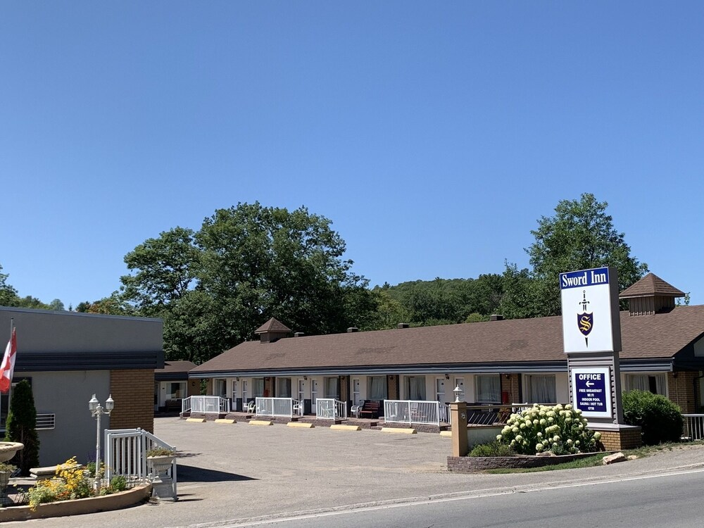 Gallery image of Sword Inn Bancroft