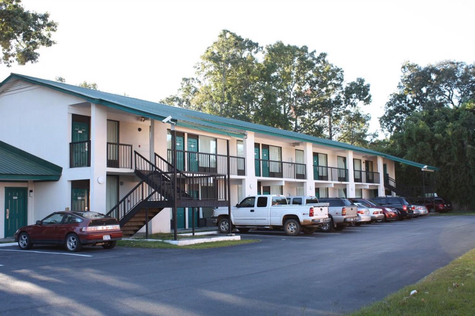 Gallery image of Relax Inn Savannah