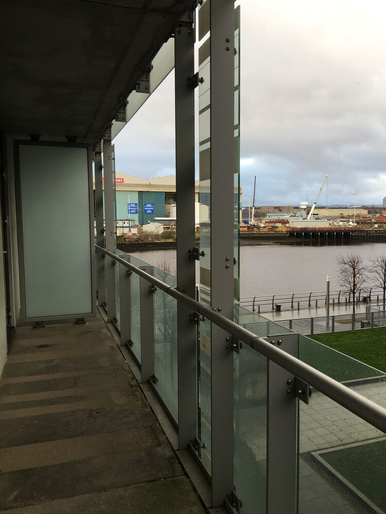 Glasgow Harbour Apartment