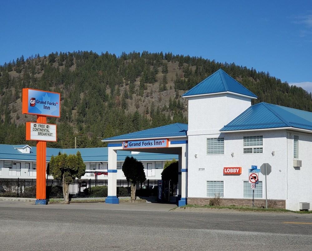 Gallery image of Grand Forks Inn