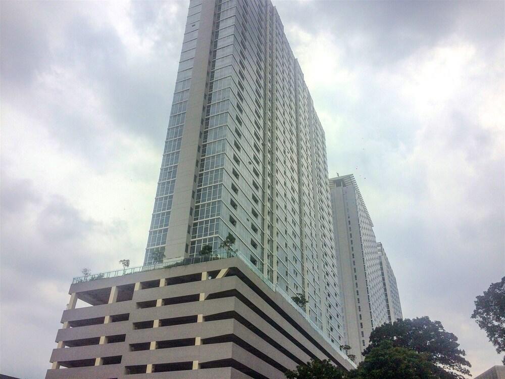 Best Location 2BR Menteng Park Apartment