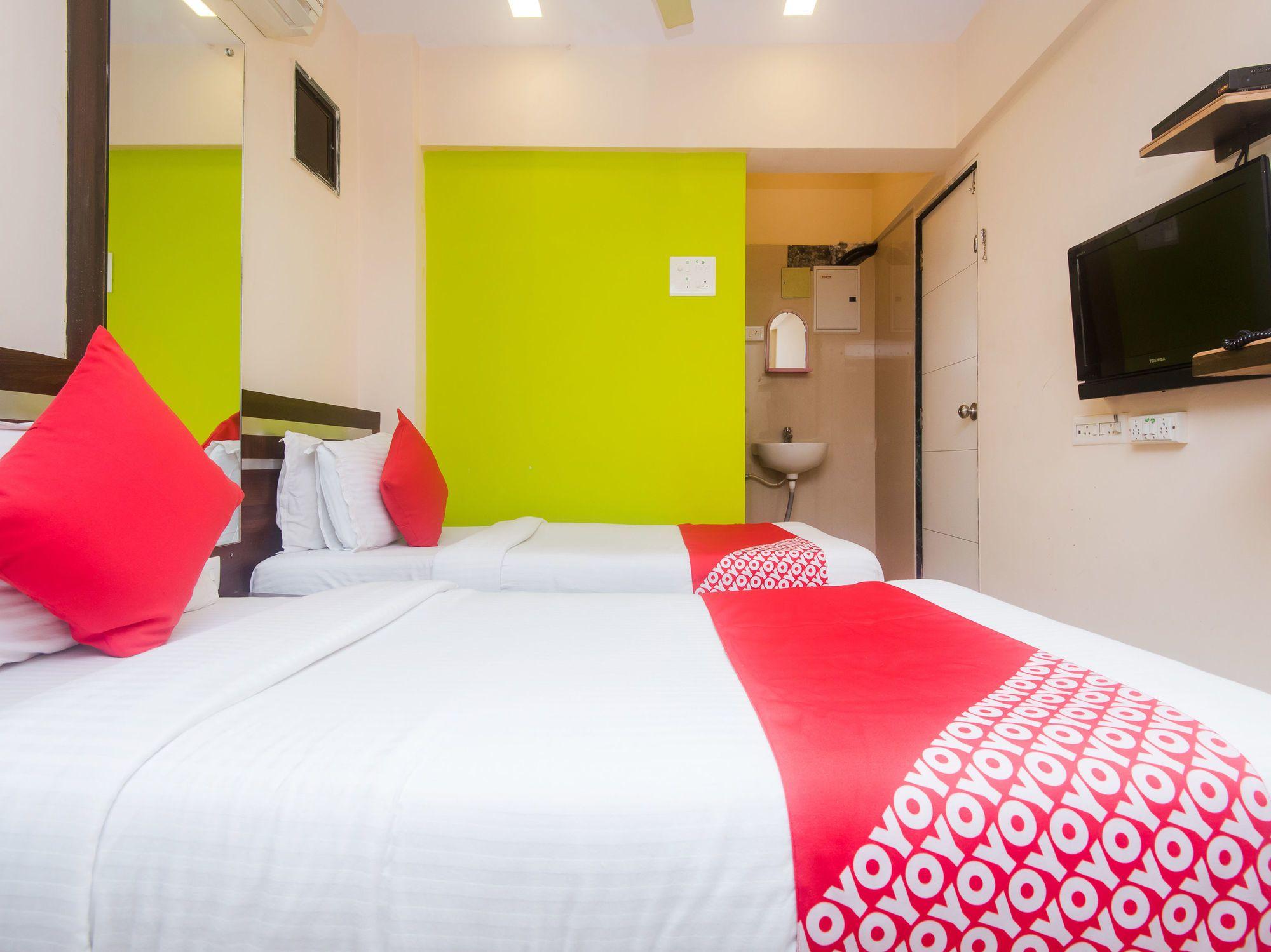 OYO 1453 Hotel Daisy Residency