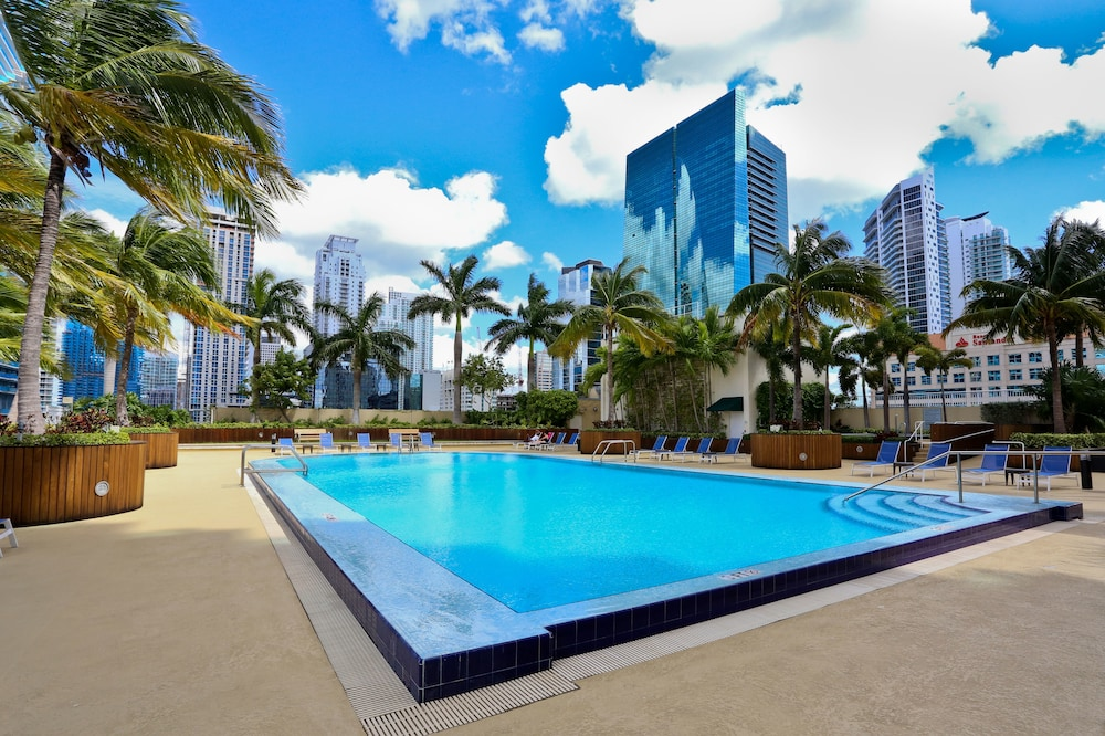 NUOVO Downtown Miami Brickell