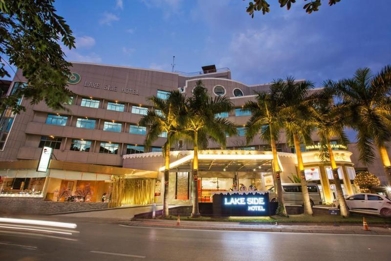Lake Side Hotel
