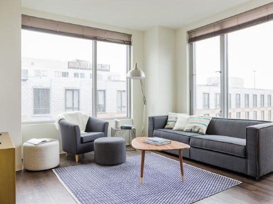 Posh 2BR in South End by Sonder