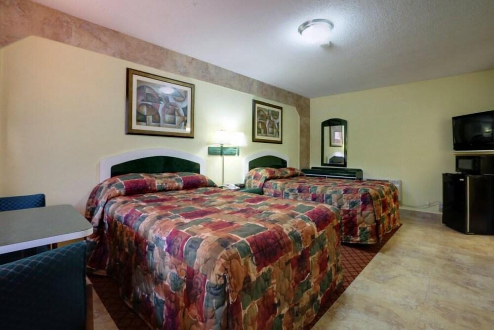 Gallery image of La Bella Oceanfront Inn