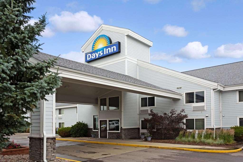 Gallery image of Days Inn by Wyndham Cheyenne