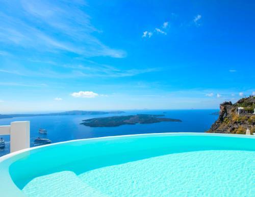 Aqua Luxury Suites Santorini
