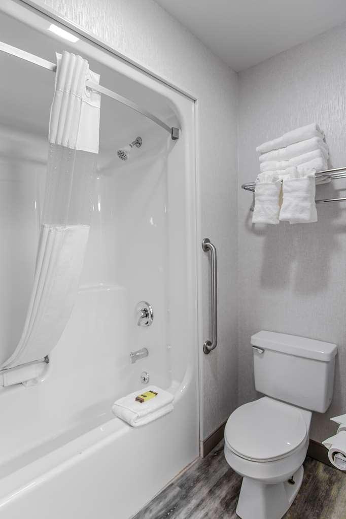 Gallery image of Best Western Plus Berkshire Hills Inn & Suites