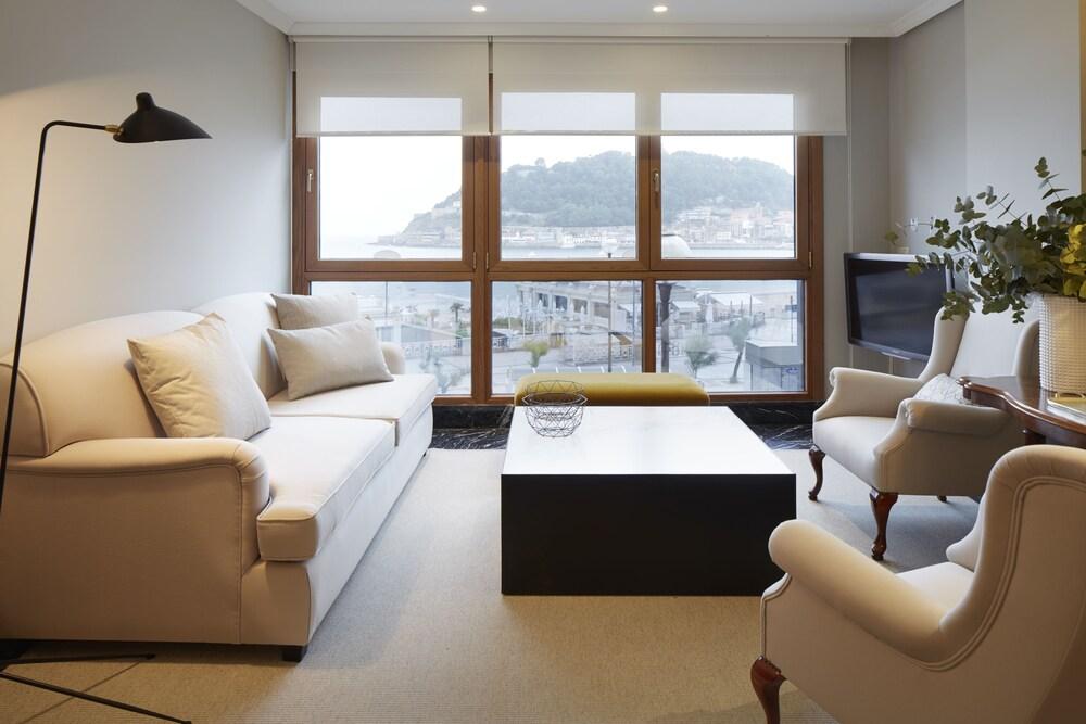 Playa de La Concha 5 Apartment by FeelFree Rentals