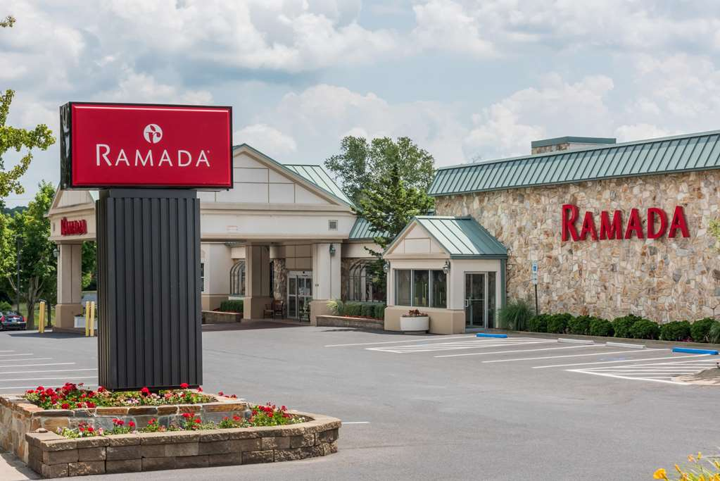 Ramada State College Hotel And C