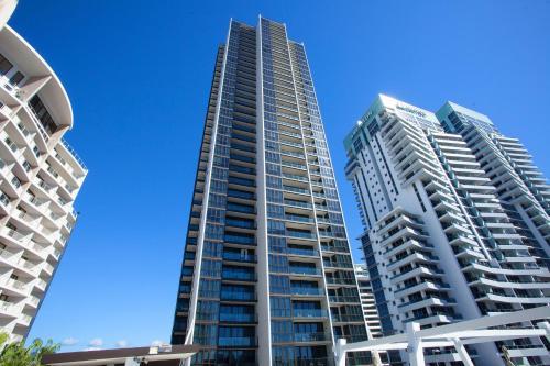 High Floor Ocean View Suites Broadbeach
